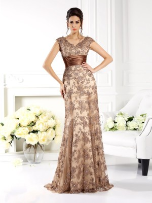 V-neck Brush Train Champagne Mother of the Bride Dresses