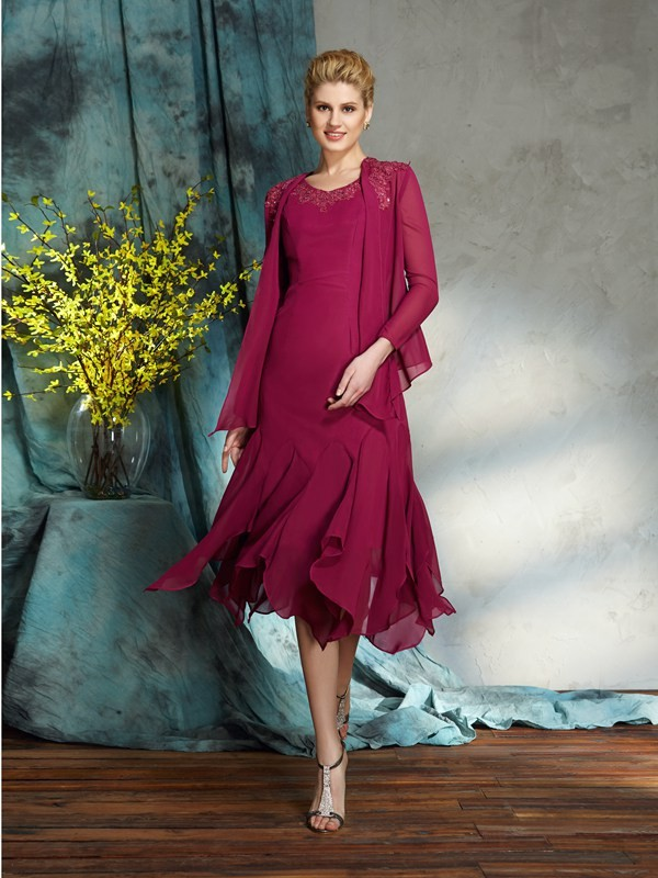 Chiffon Scoop Knee-Length Mother of the Bride Dresses with Applique