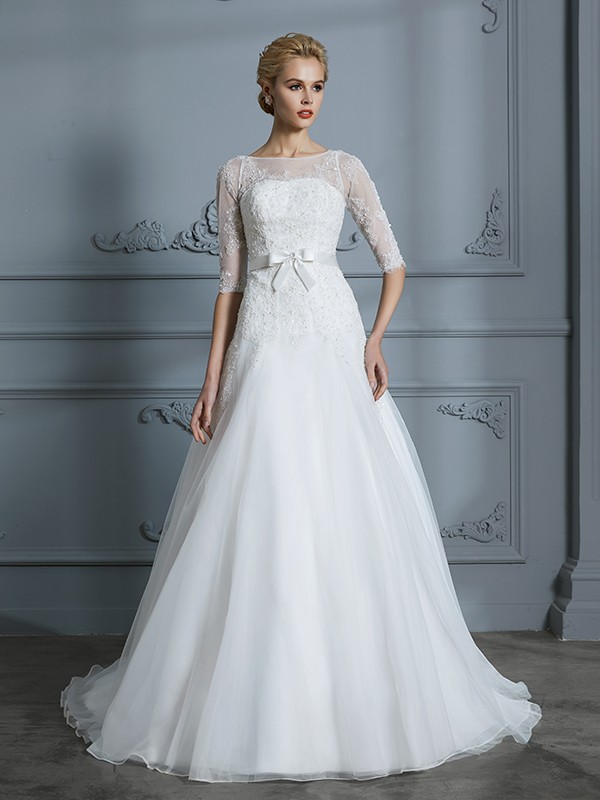 Tulle Scoop Court Train Ivory Wedding Dresses