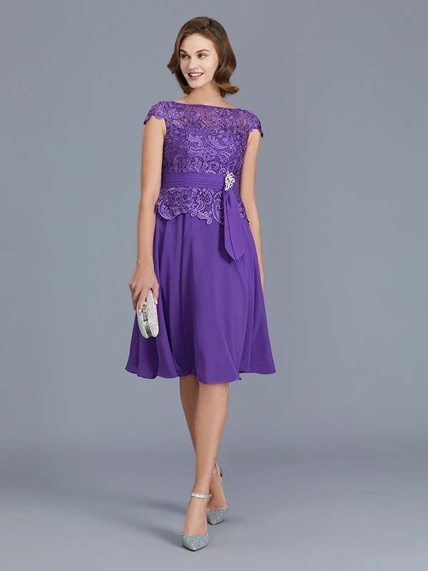 A-Line Bateau Knee-Length Regency Mother of the Bride Dresses