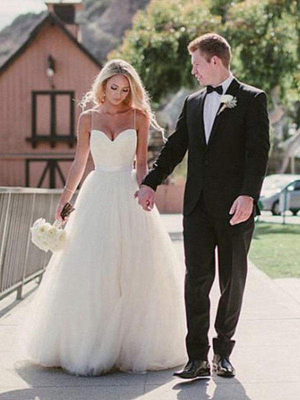 White Ball Gown Sweetheart Brush Train Wedding Dresses