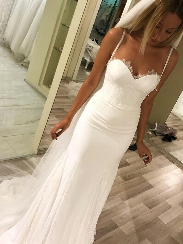 Sweetheart Brush Train Ivory Wedding Dresses