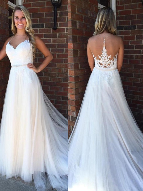 White A-Line Scoop Court Train Wedding Dresses with Applique