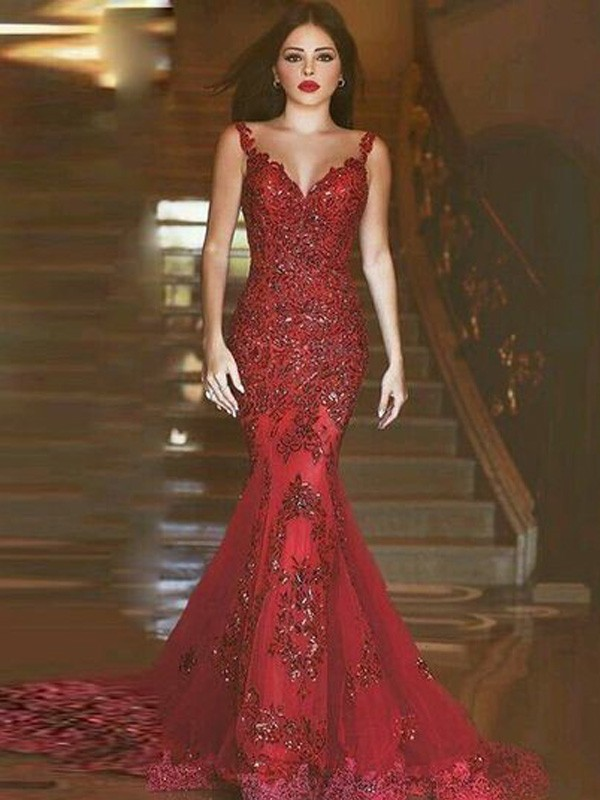 Mermaid V-neck Brush Train Red Prom Dresses with Applique