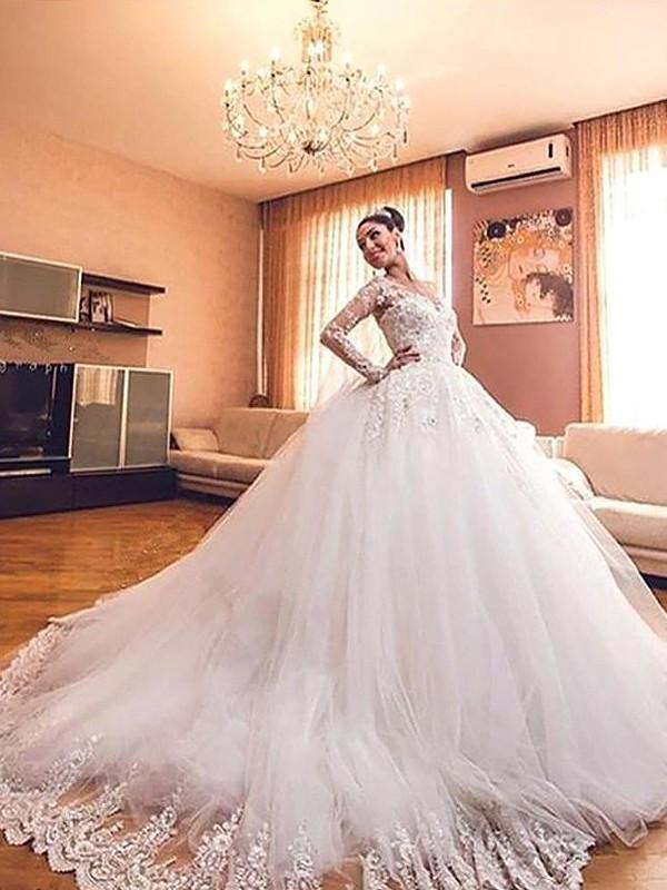 Long Sleeves Ball Gown V-neck Court Train Ivory Wedding Dresses