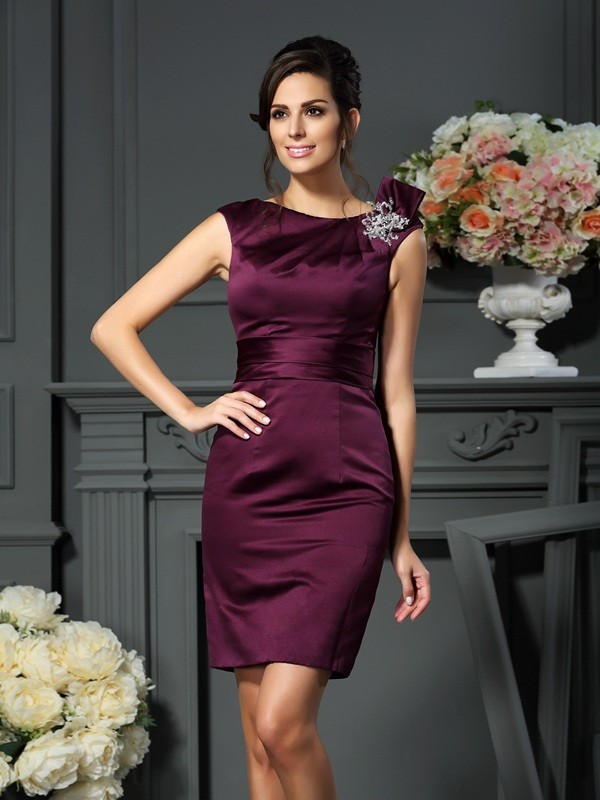 Grape Scoop Satin Knee-Length Mother of the Bride Dresses