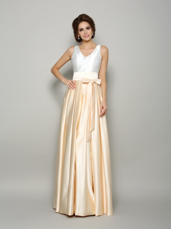 Champagne V-neck Satin Floor-Length Mother of the Bride Dresses