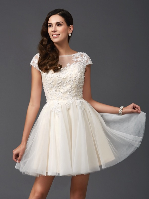 Net A-Line Short/Mini Short Sleeves Scoop White Homecoming Dresses