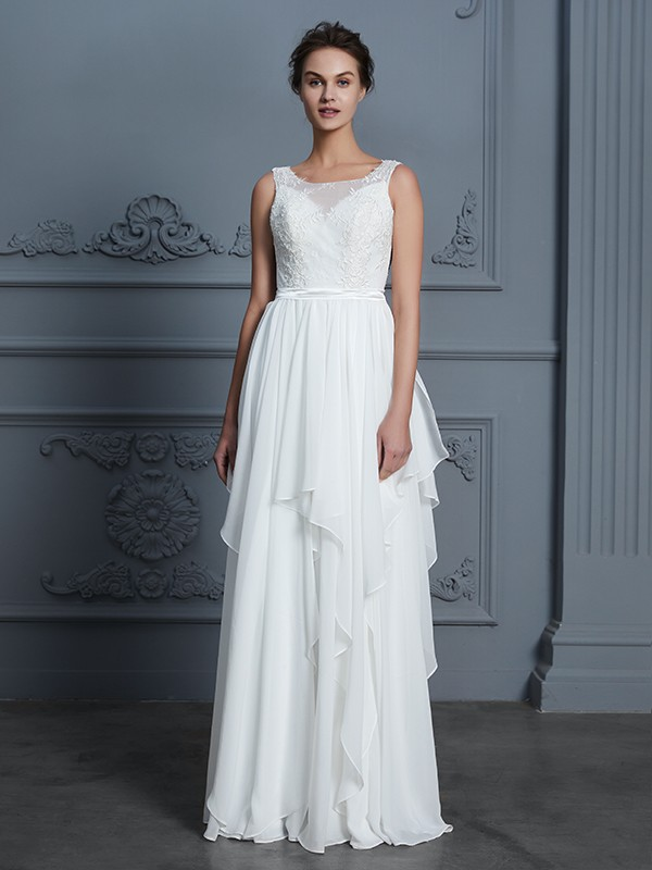 Floor-Length Ivory Scoop Wedding Dresses with Ruffles