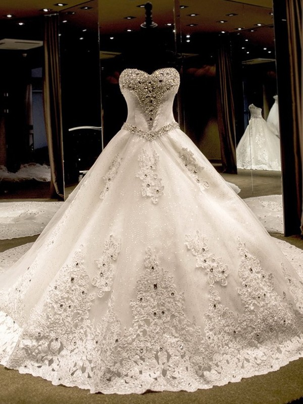 Ivory Ball Gown Sweetheart Cathedral Train Wedding Dresses with Sequin