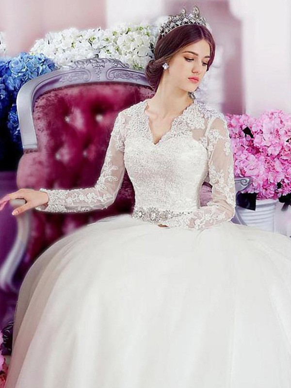 A-Line V-neck Cathedral Train Ivory Wedding Dresses with Applique