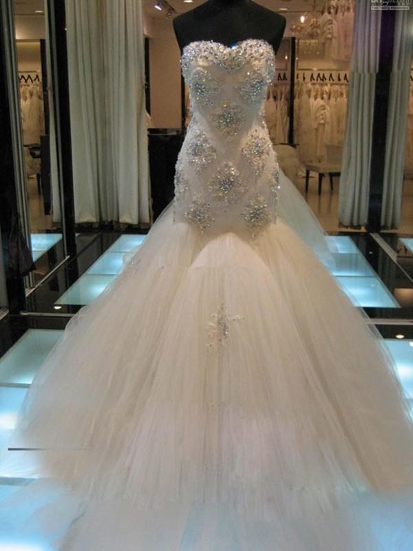 Chapel Train White Sweetheart Wedding Dresses with Beading