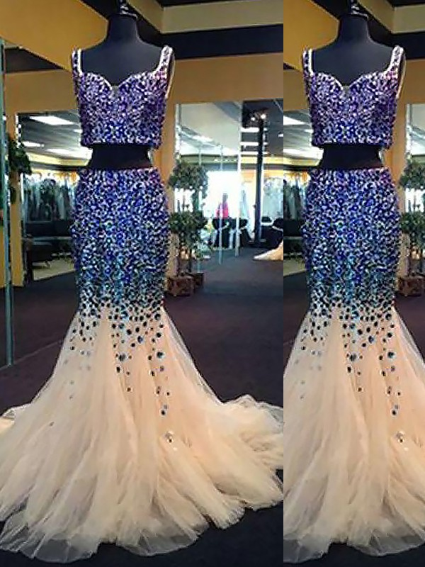 Sweetheart Brush Train White Prom Dresses with Beading