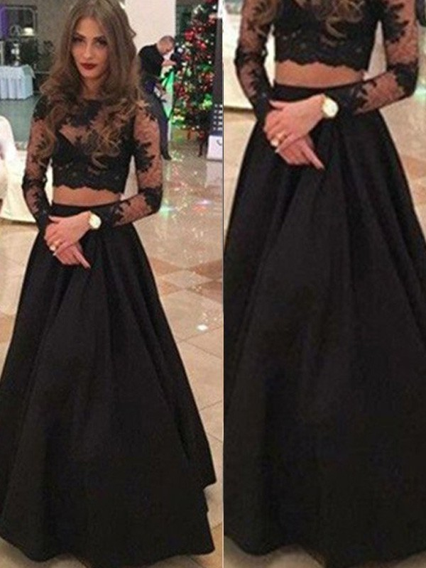 Black A-Line Scoop Floor-Length Prom Dresses with Lace
