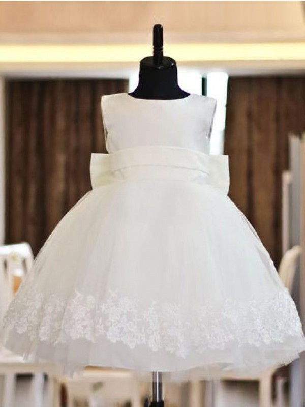 White A-Line Scoop Tea-Length Flower Girl Dresses with Lace