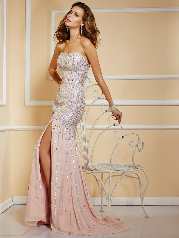 Brush Train Pearl Pink Strapless Prom Dresses with Beading