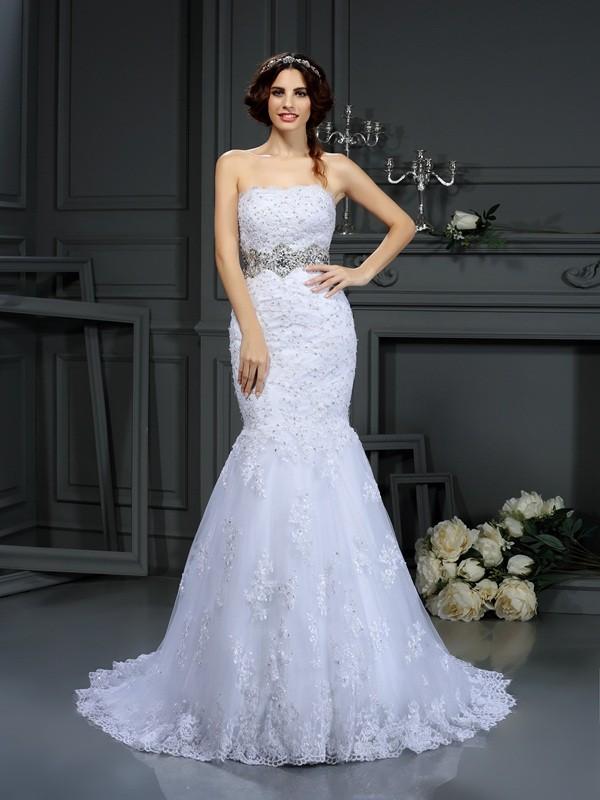 Court Train White Strapless Wedding Dresses with Beading