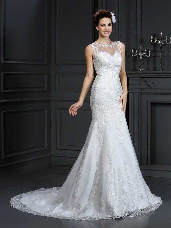 Court Train Ivory Bateau Wedding Dresses with Lace