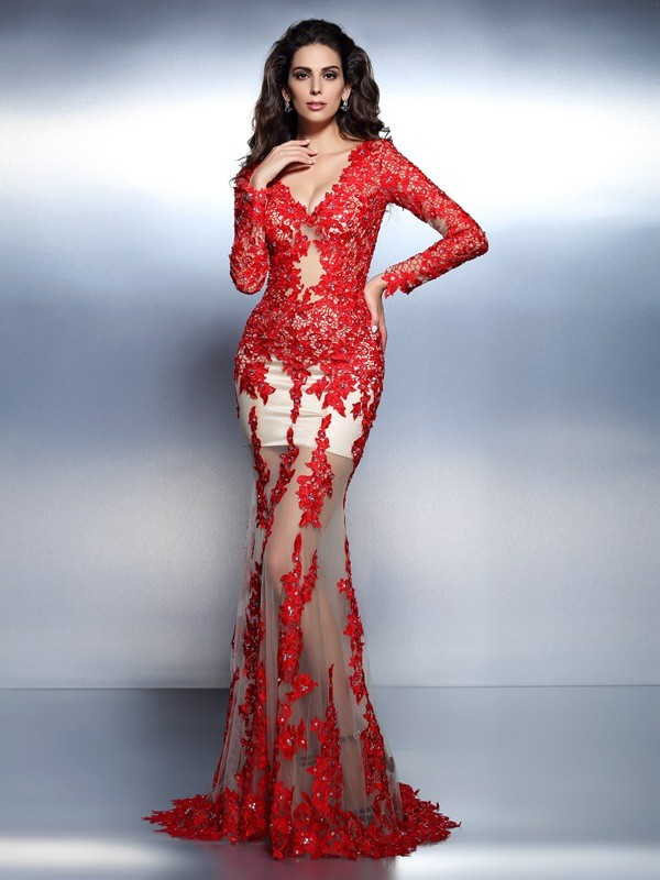 Brush Train Red Long Sleeves V-neck Prom Dresses with Applique
