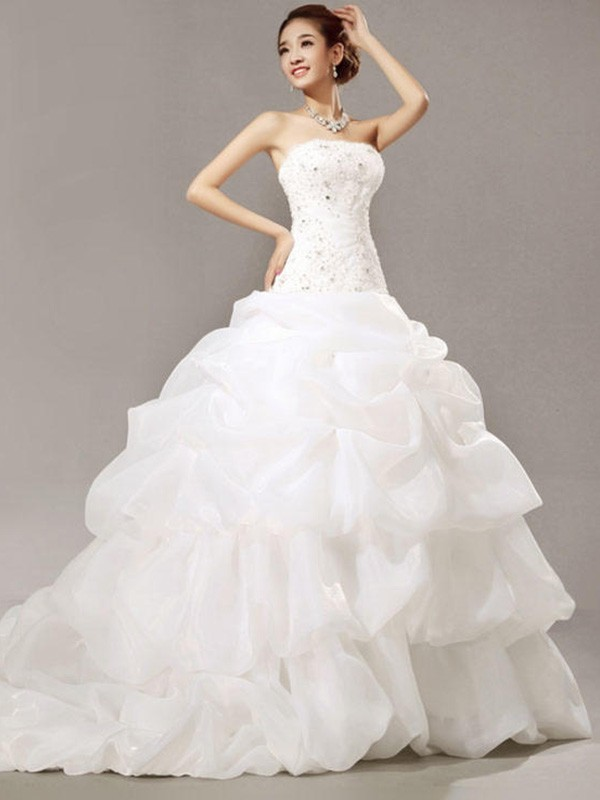 Ball Gown Strapless Cathedral Train White Wedding Dresses