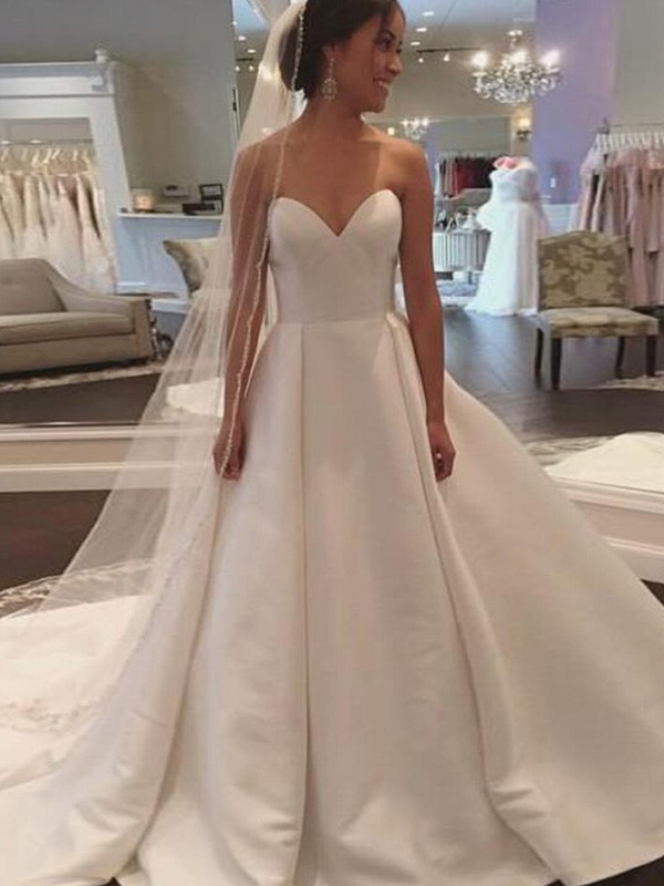 Ball Gown Sweetheart Court Train Ivory Wedding Dresses