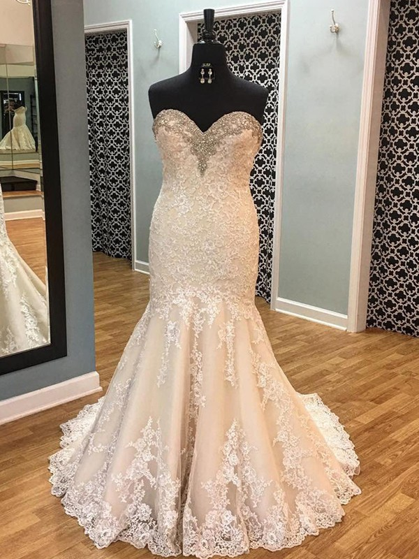 Sweetheart Court Train Champagne Wedding Dresses with Applique