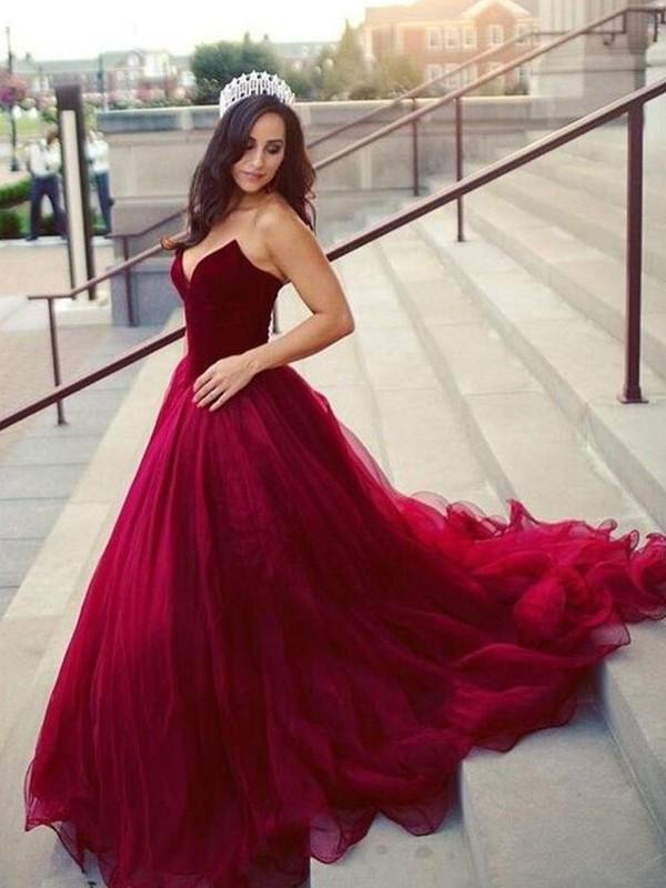 Sweetheart Ball Gown Sleeveless Burgundy Tulle Prom Dresses