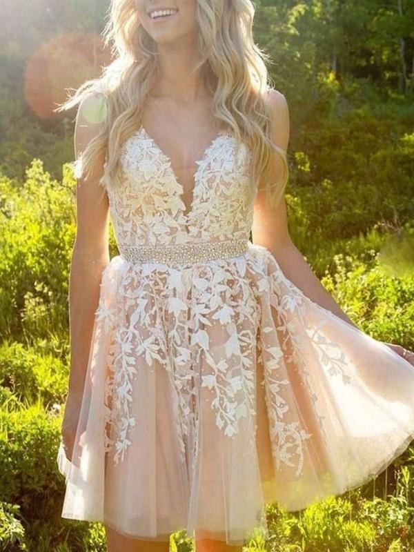 A-Line/Princess Tulle Applique V-neck Sleeveless Short/Mini Homecoming Dresses
