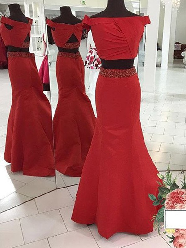 Off-the-Shoulder Brush Train Red Prom Dresses with Ruched