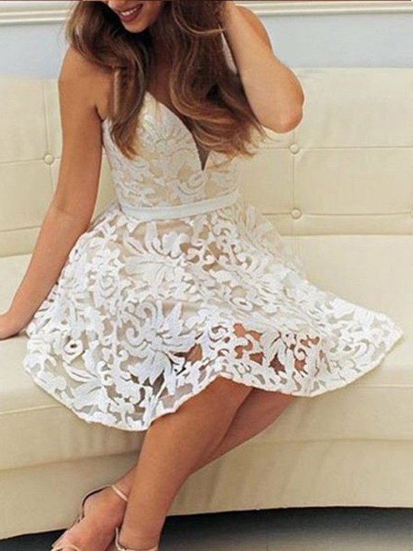 V-neck Short/Mini White Prom Dresses