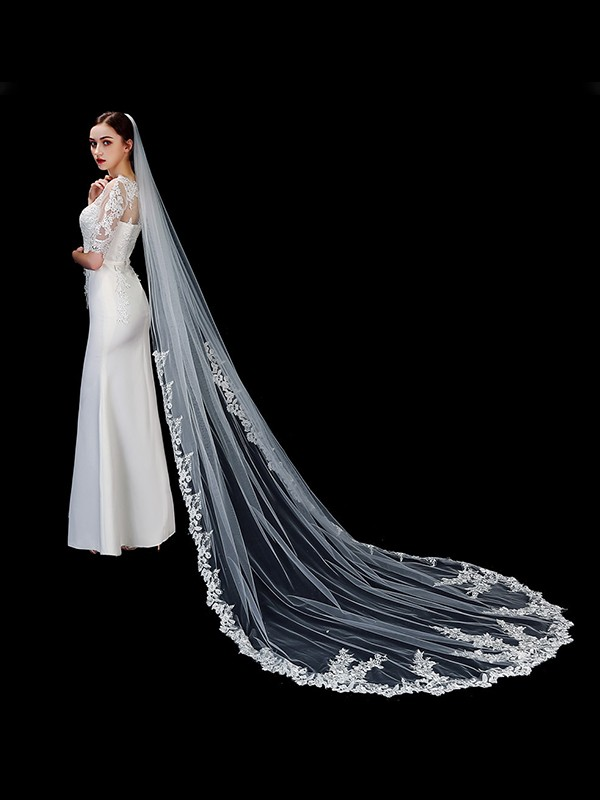 Elegant Tulle One-Tier Cathedral Bridal Veils With Applique