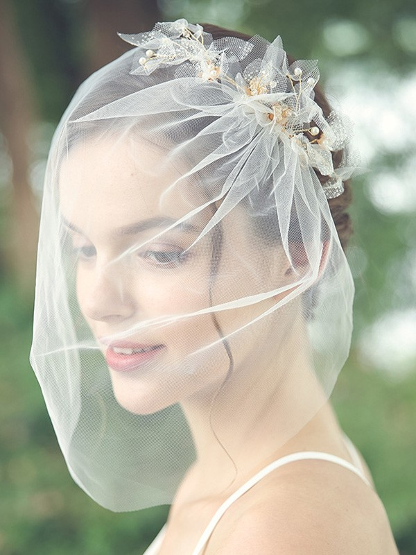 Beautiful Tulle One-Tier Birdcage Veils With Beading