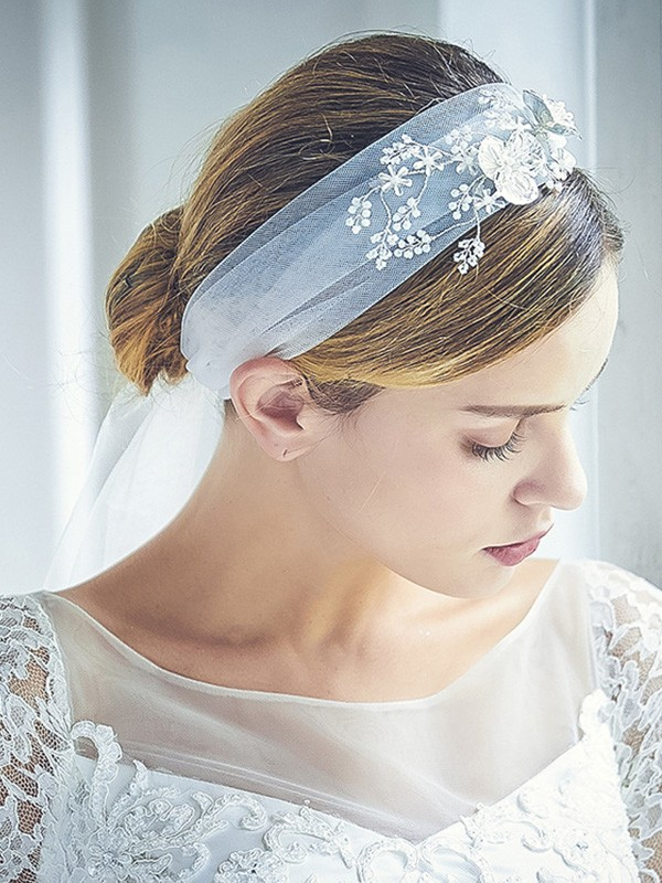Attractive Tulle One-Tier Chapel Bridal Veils With Rhinestone/Beading