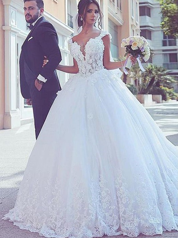 Ball Gown Sweetheart Sleeveless Brush Train White Lace Tulle Wedding Dresses