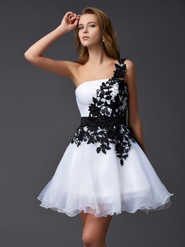 A-Line One-Shoulder Short/Mini White Homecoming Dresses with Lace