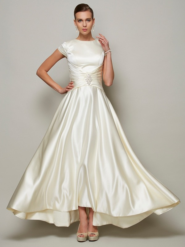 A-Line Satin Short Sleeves Scoop Long Ivory Mother of the Bride Dresses