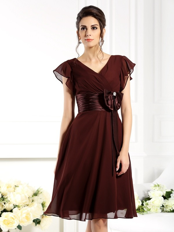 Brown V-neck Knee-Length Mother of the Bride Dresses with Bowknot
