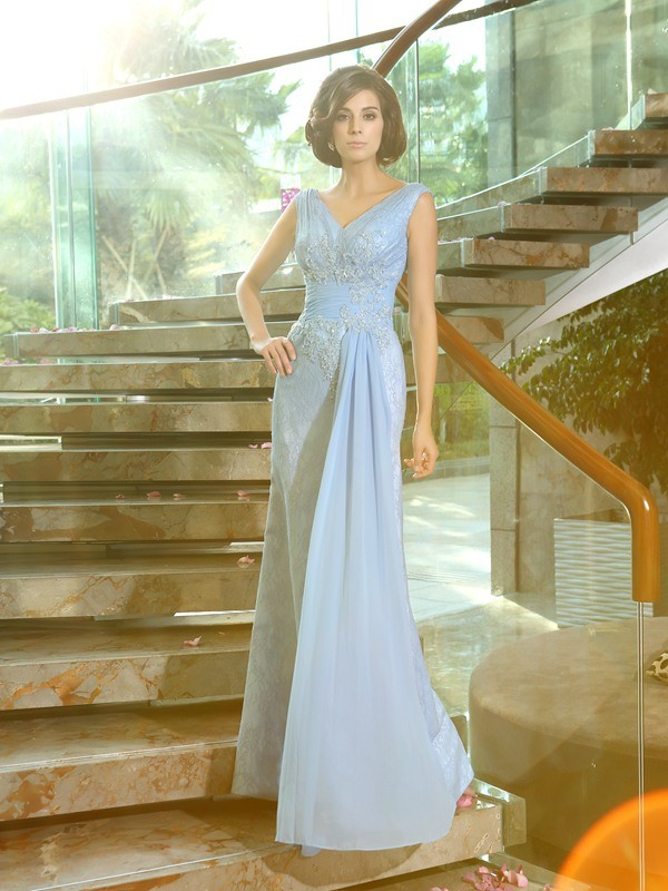 Lace V-neck Floor-Length Mother of the Bride Dresses with Beading