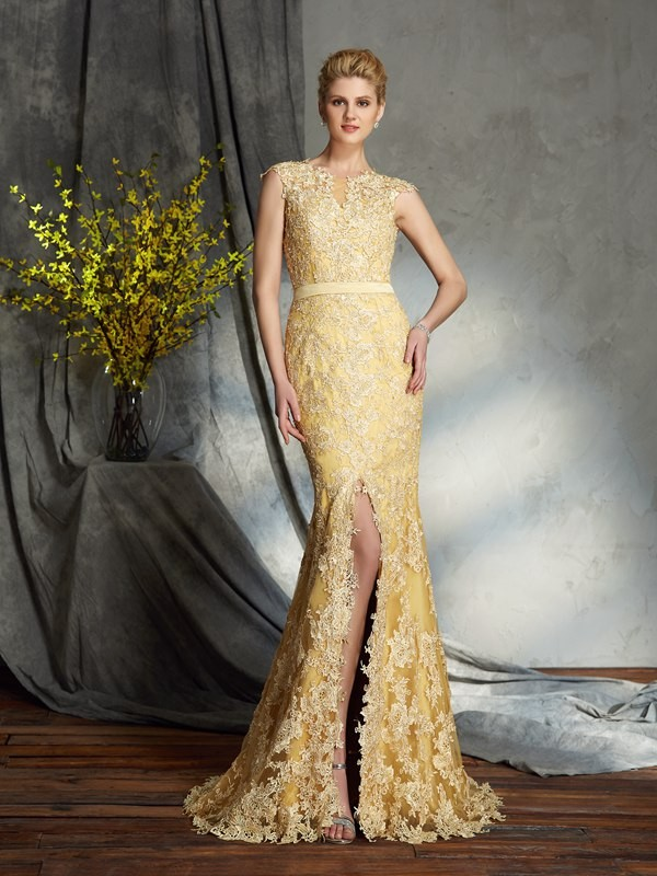 Lace Scoop Brush Train Daffodil Mother of the Bride Dresses