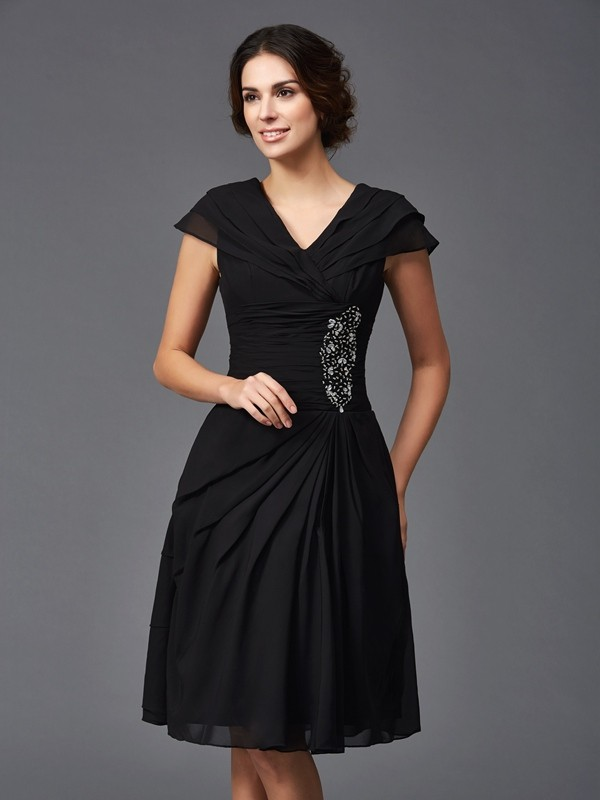 A-Line Chiffon V-neck Knee-Length Black Mother of the Bride Dresses