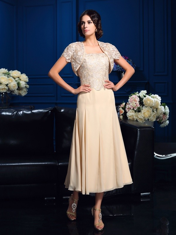 Chiffon Knee-Length Square Champagne Mother of the Bride Dresses