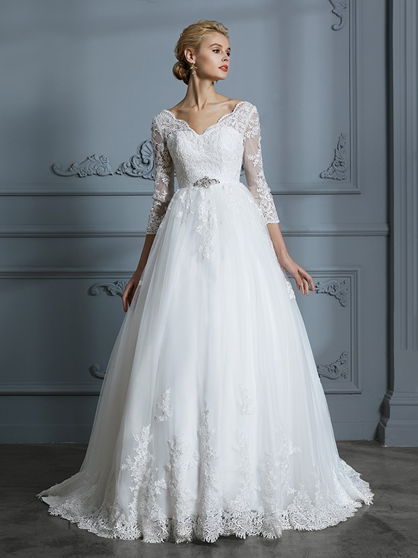Ivory V-neck Tulle Court Train Wedding Dresses