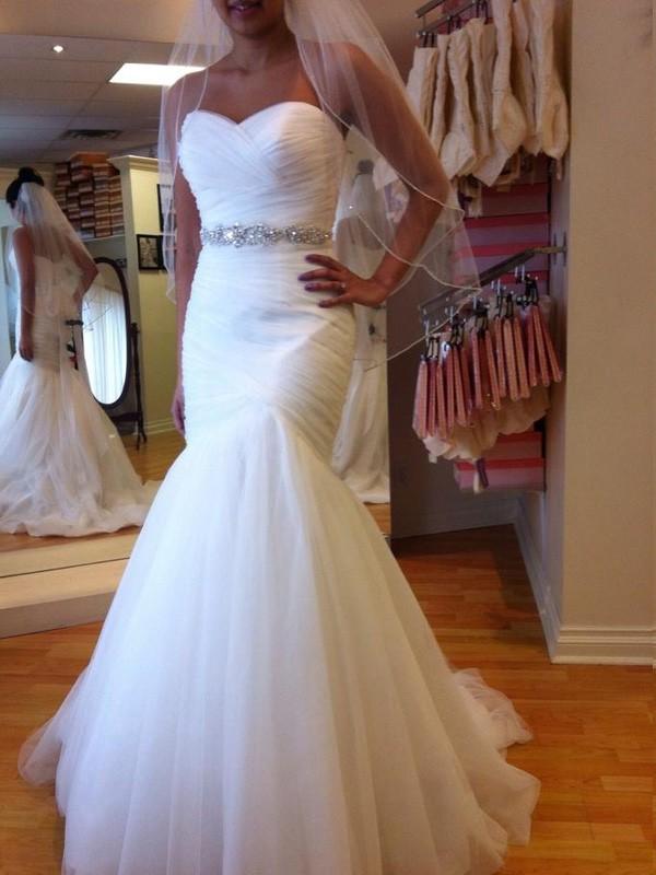 Court Train White Sweetheart Wedding Dresses with Beading