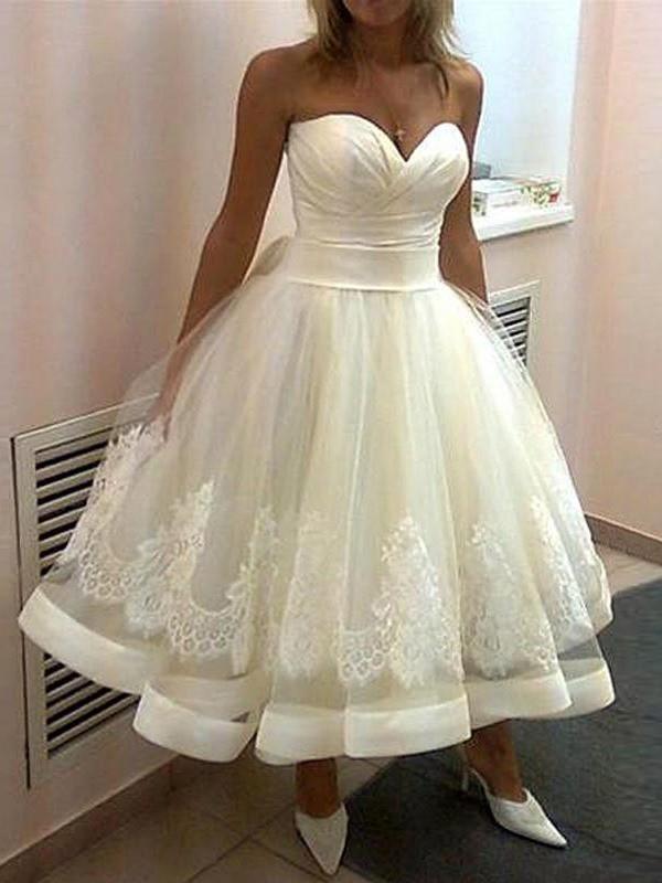 Ball Gown Tulle Sweetheart Tea-Length White Wedding Dresses