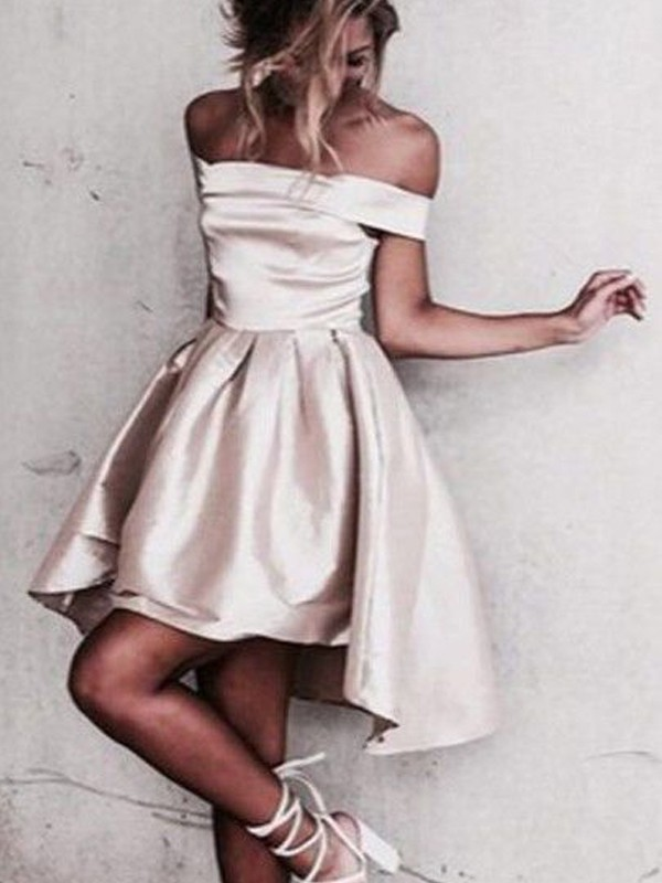 A-Line Off-the-Shoulder Short Champagne Homecoming Dresses