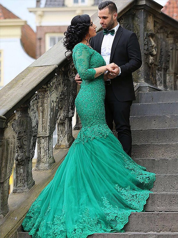 Green V-neck Tulle Brush Train Prom Dresses