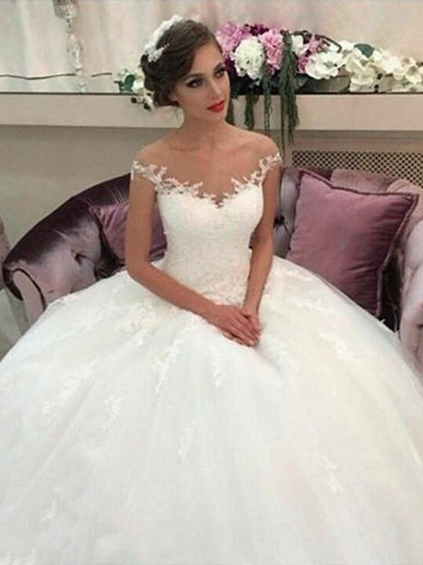 Ball Gown Tulle Off-the-Shoulder Court Train Ivory Wedding Dresses