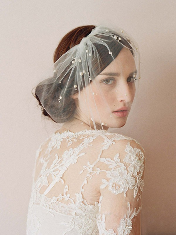 One-tier Cut Edge Birdcage Veils With Imitation Pearls